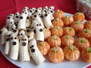 Orange pumpkins and banana ghosts will impress any kid!