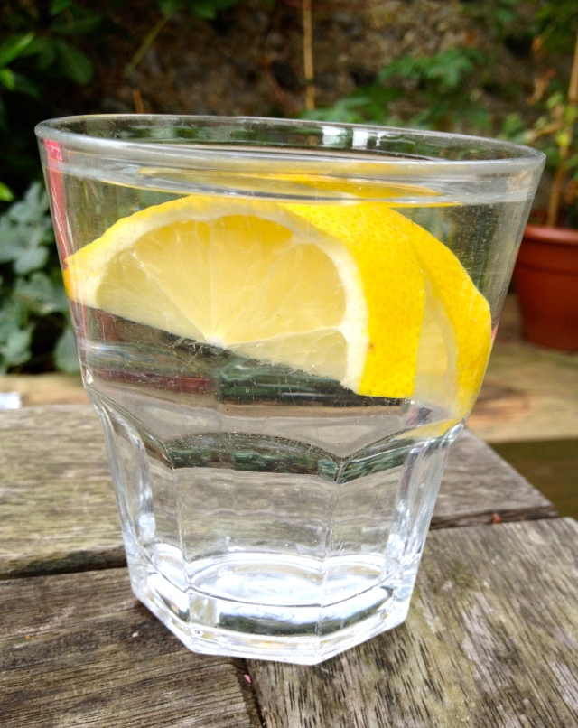 Top 5 Reasons To Drink Lemon Water